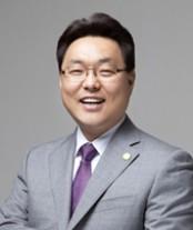 이동훈 목사.jpg