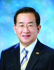 진유신 목사.jpg
